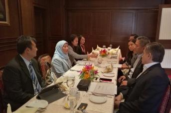 Eddie Razak at lunch briefing with Minister YB Datuk Seri Hajjah Nancy Shukri - Oct 2016