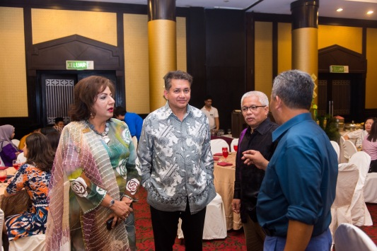 Eddie Razak with Dato Anusha Soroptimist Foundation, Datuk Husammuddin Karangkraf and Haji Burhanuddin Les Copaque - July 2015