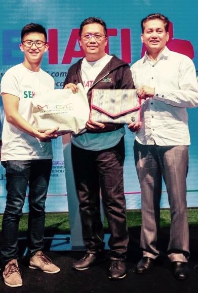 Eddie Razak with Datuk Abdul Rahman Dahlan and Ehon Chan at MaGIC SEHati event