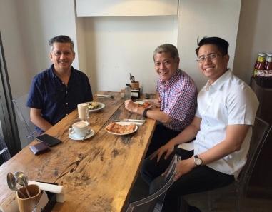 Eddie Razak and Professor Danny Quah Vice Dean of Lee Kuan Yew School of Public Policy and Li Ka Shing Professor of Economics, and Chong Zun Jie Lee Kuan Yew Fellow